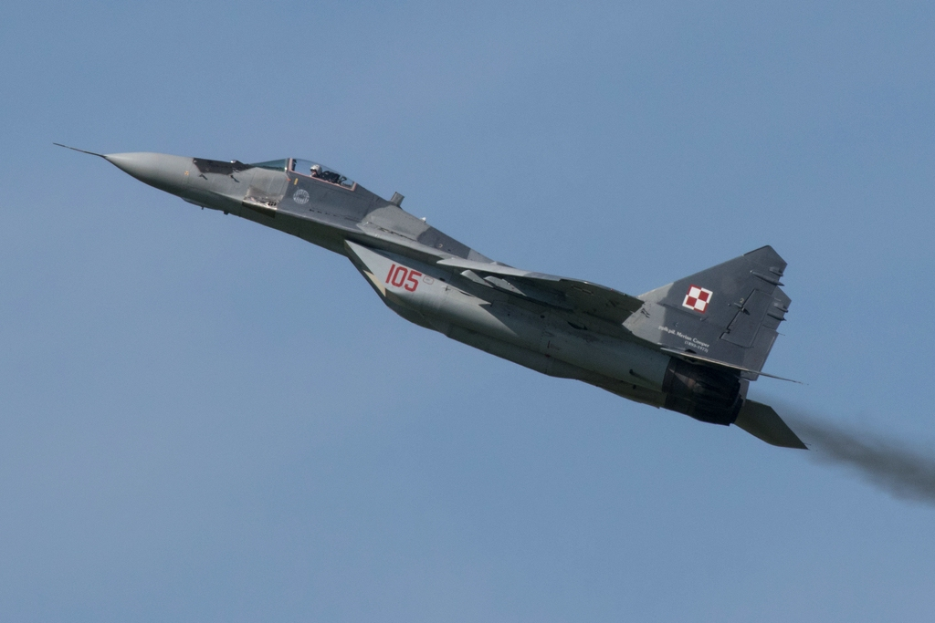 WB2 - MiG 29 105 Display © warbird