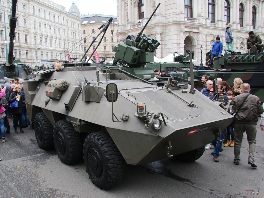 Mannschaftstransportpanzer Pandur A1 mit Waffenstation ERCWS-M © Doppeladler.com