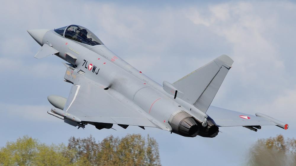 Eurofighter Typhoon 7L-WJ © Sven Neumann