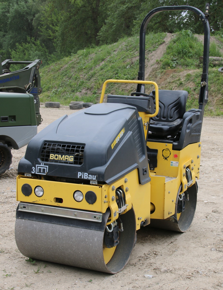 BOMAG Tandem-Vibrationswalze Bomag BW 80 AD-5 © Doppeladler.com