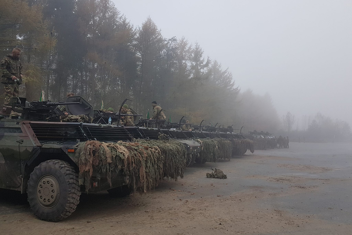 Niederländische Spähwagen Fennek © Bataljon Bevrijding