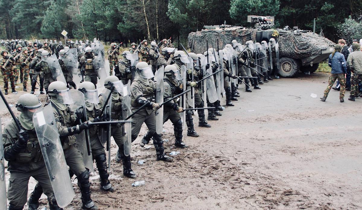 Österreichische Panzergrenadiere in Bereitschaft © Bataljon Bevrijding
