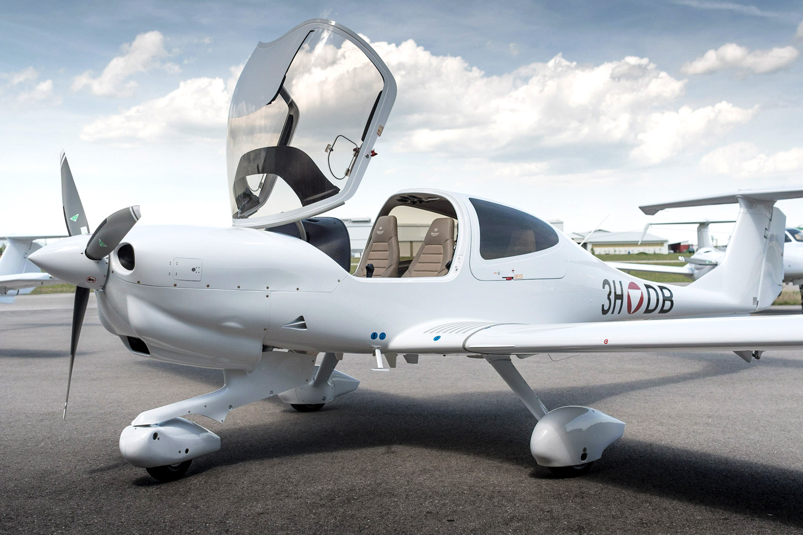 Diamond Aircraft DA40 NG mit der Kennung 3H-DB © Diamond