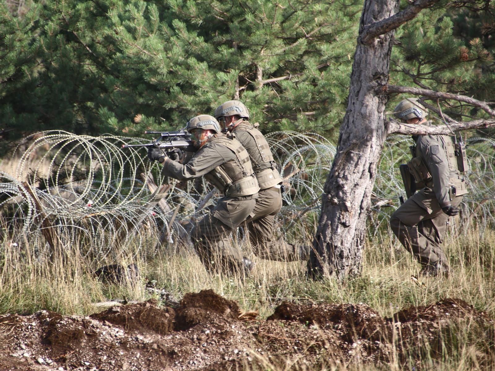 Der Angriff der Panzergrenadiere wird von den Ulan gedeckt © Doppeladler.com