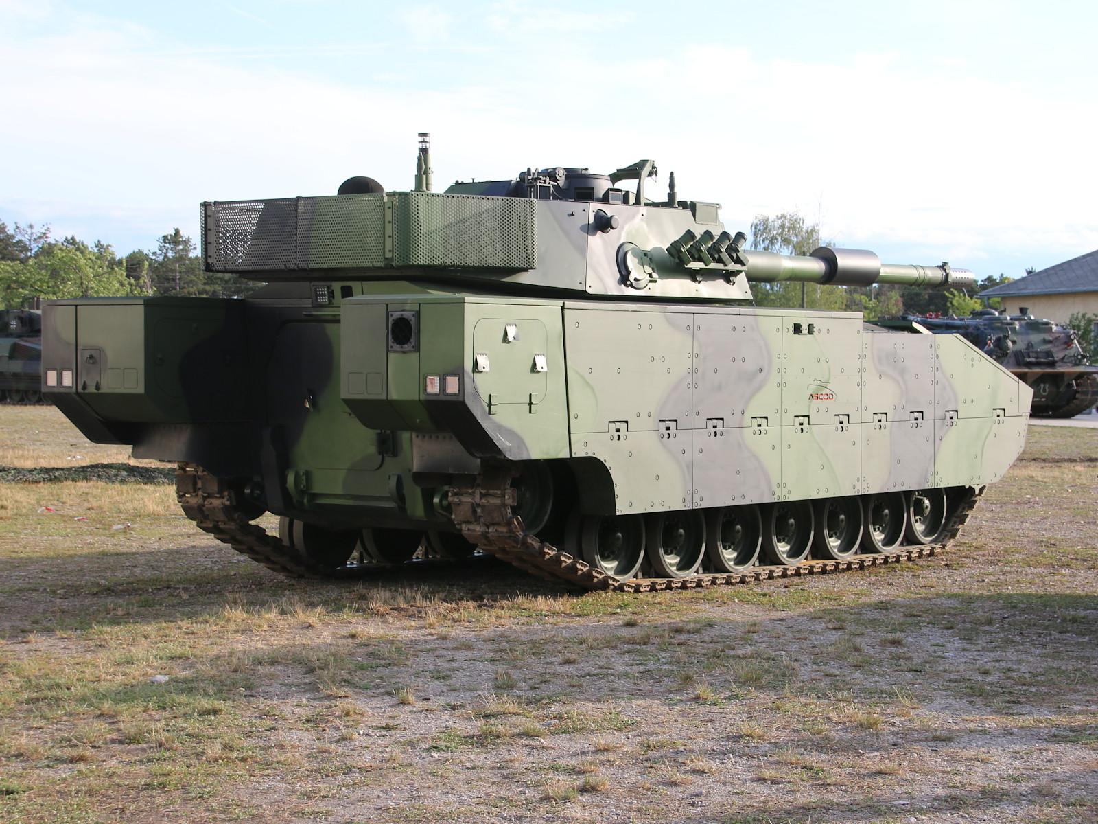 Auf fast der gleichen Basis steht der neue ASCOD Schützenpanzer © Doppeladler.com