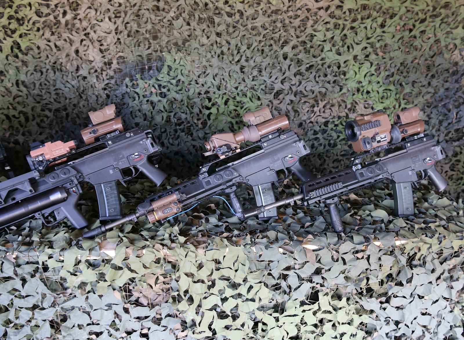 5,56 mm Sturmgewehr G36 von Heckler & Koch mit unterschiedlichen Optiken © Doppeladler.com