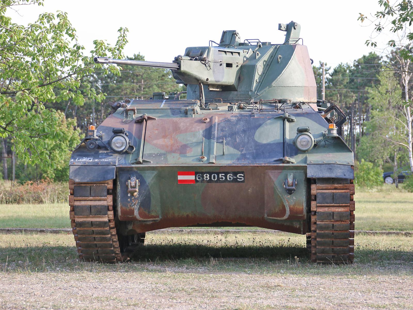 Außer Dienst: Schützenpanzer 4K4E/F mit 20 mm Kanone © Doppeladler.com