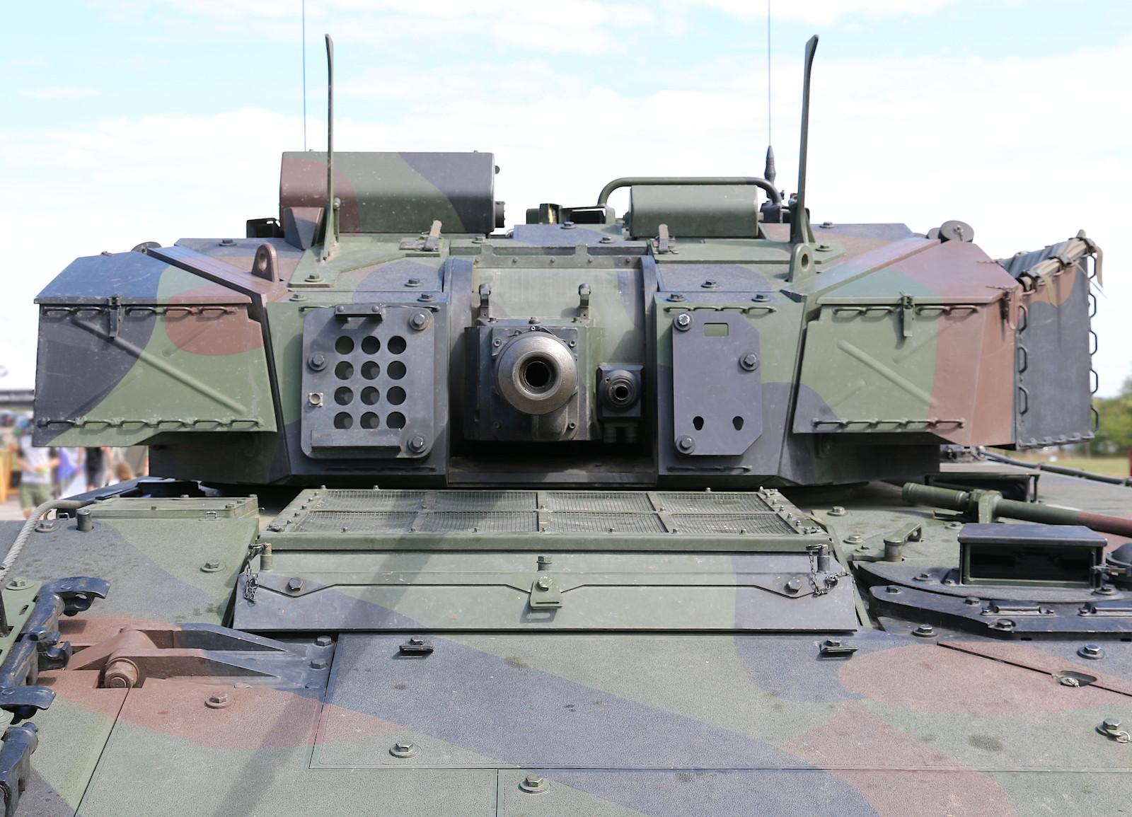 Steyr SP-30 Turm des Ulan mit 30 mm Maschinenkanone Modell MK-30-2 © Doppeladler.com