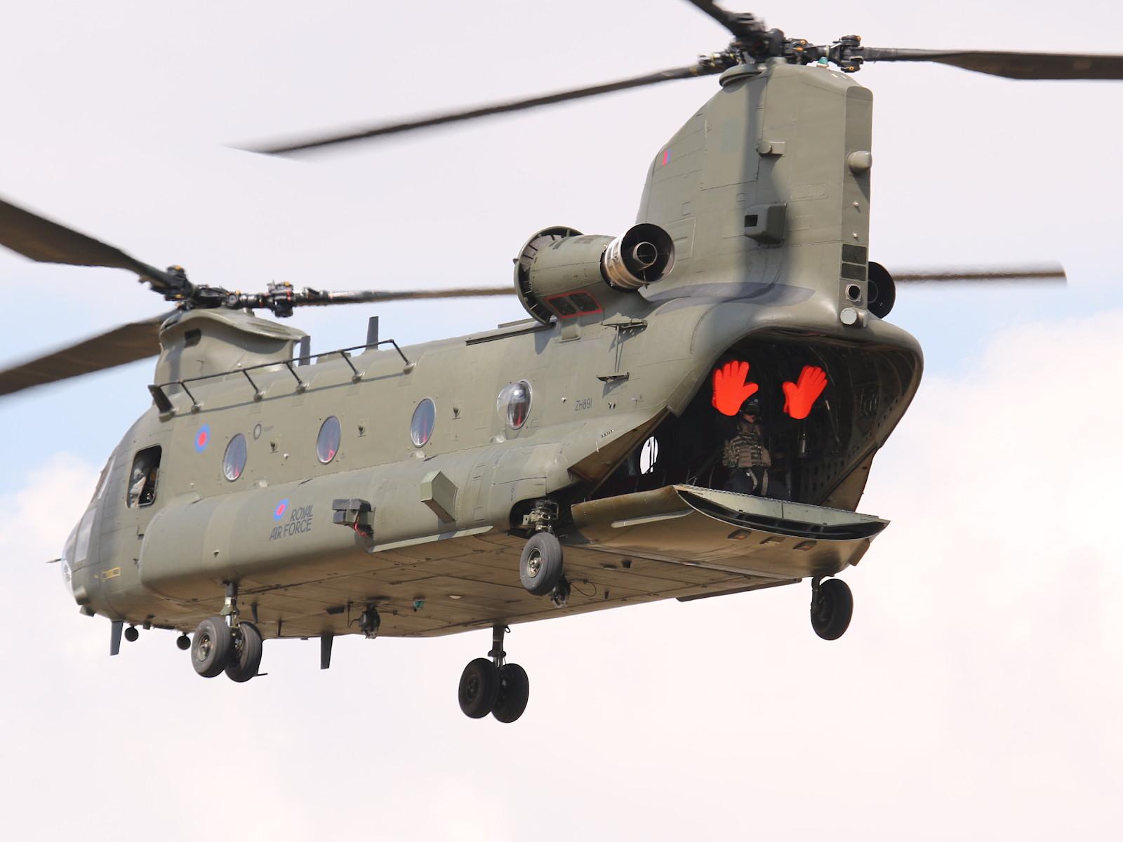 Boeing CH-47D Chinook ZH891 © Doppeladler.com