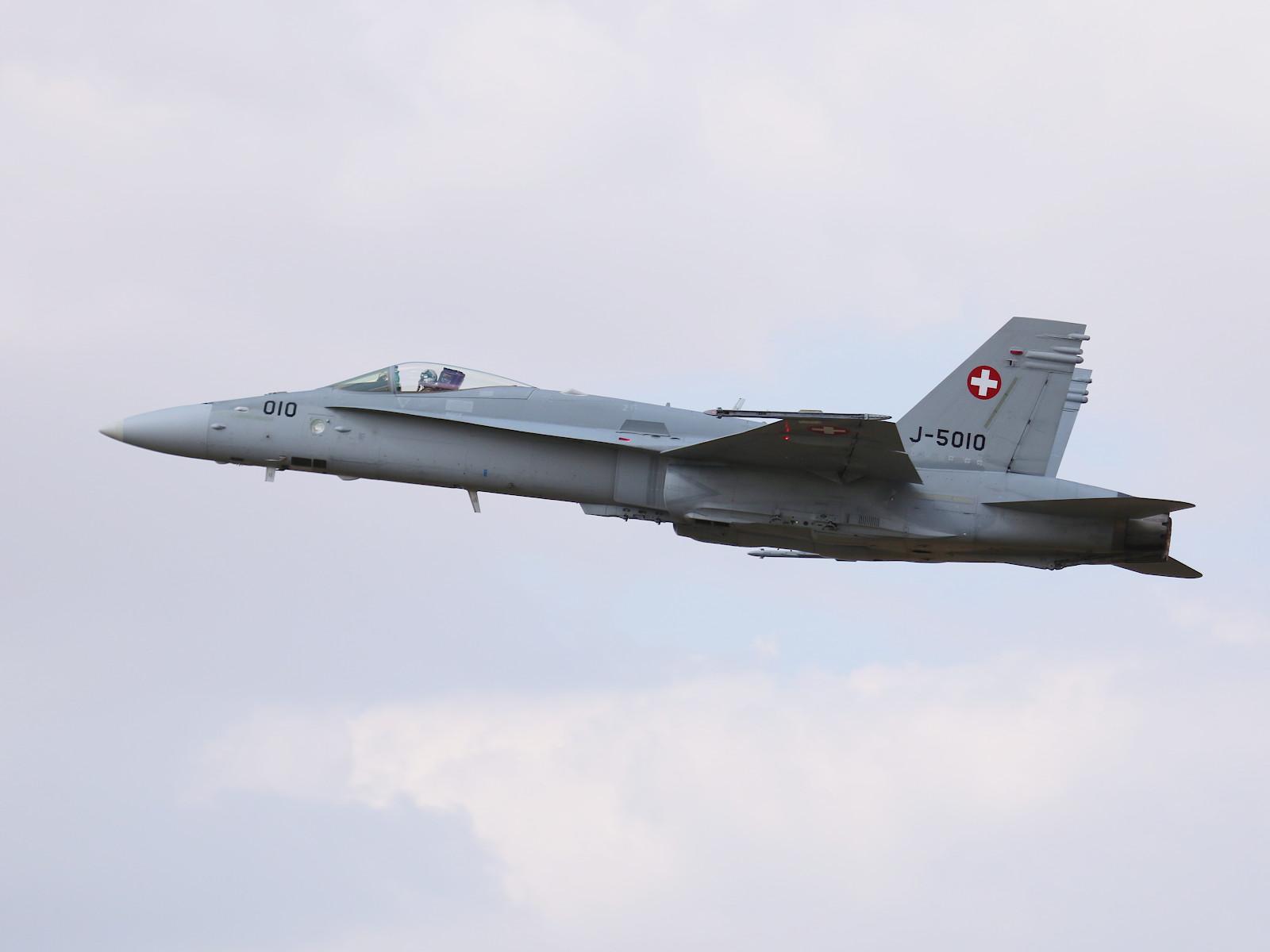 McDonnell Douglas F/A-18C Hornet J-5010 aus der Schweiz © Doppeladler.com