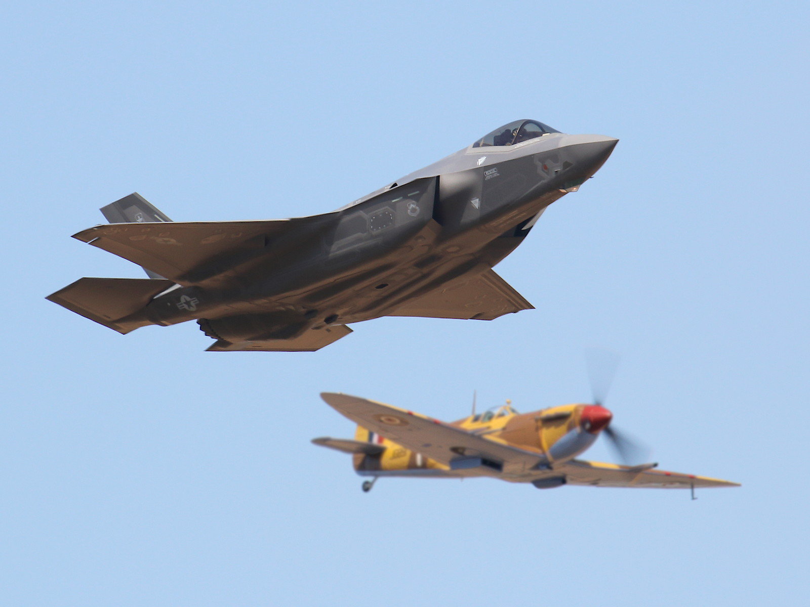 Lockheed Martin F-35A Lightning II 15-5127; Supermarine Spitfire Mk.Vc JG891 © Doppeladler.com