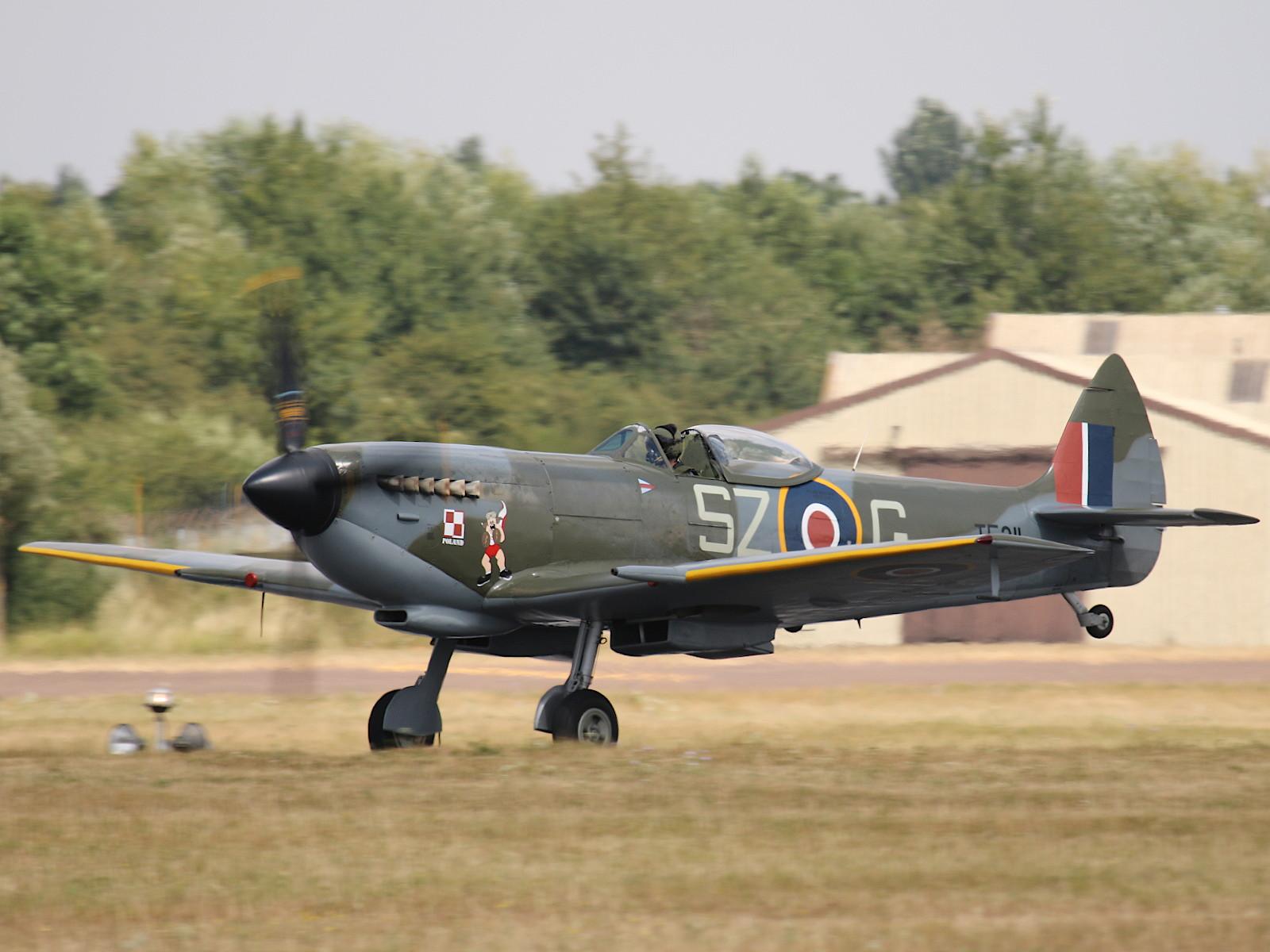 Supermarine Spitfire Mk XVI TE311 © Doppeladler.com