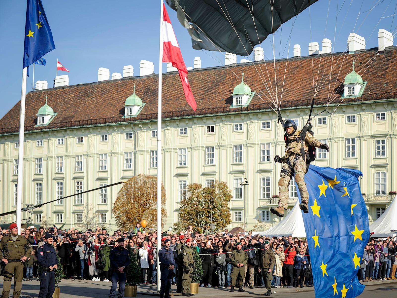 Fallschirm-Einlage des Jagdkommandos © Bundesheer