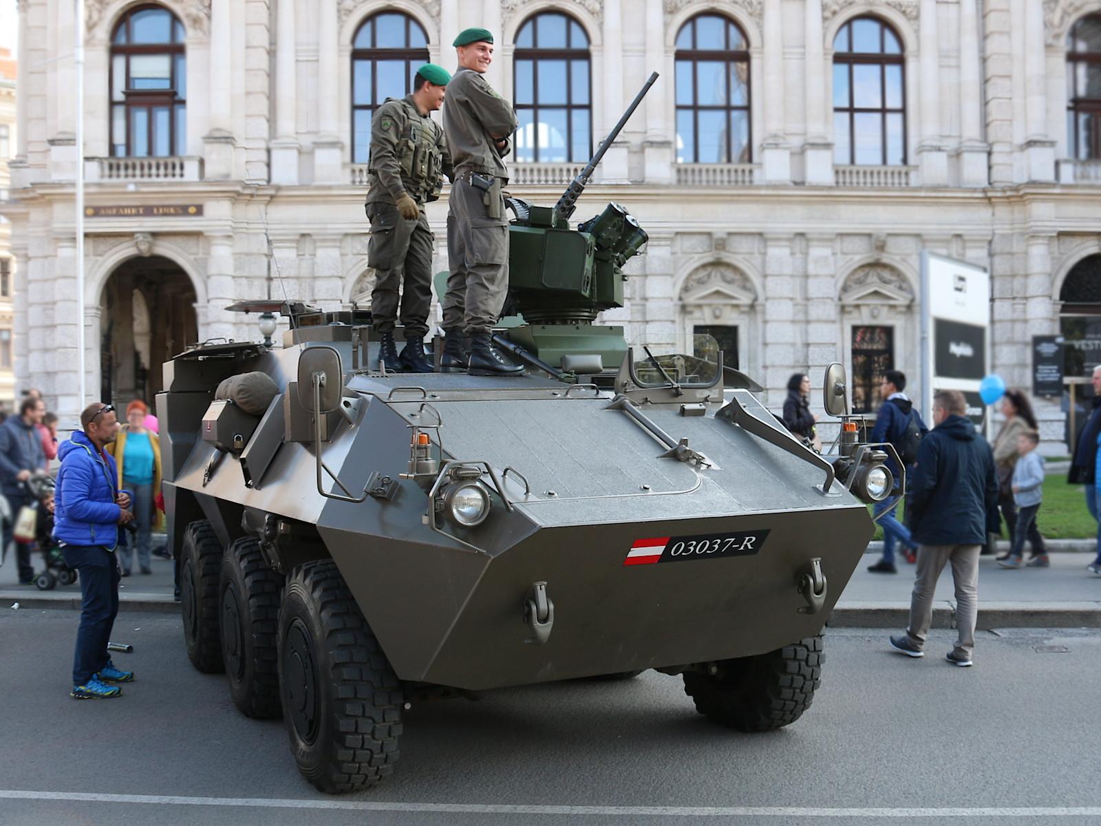 Mannschaftstransportpanzer Pandur A2 mit Waffenstation © Doppeladler.com
