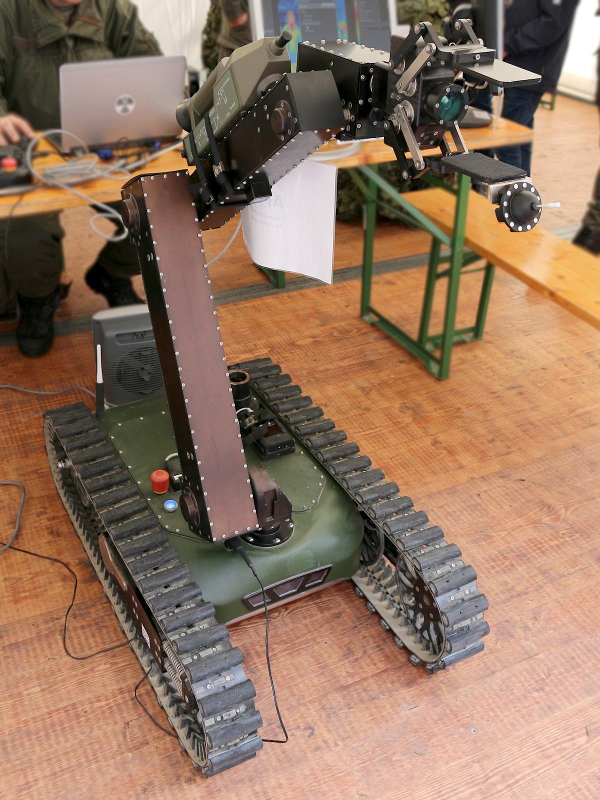 Elektronischer Spürhund der ABC-Truppe: Taurob Tracker © Doppeladler.com