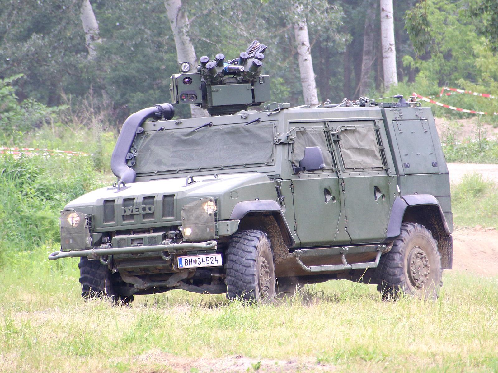 Geschütztes Mehrzweckfahrzeug GMF Husar (Iveco LMV) © Doppeladler.com