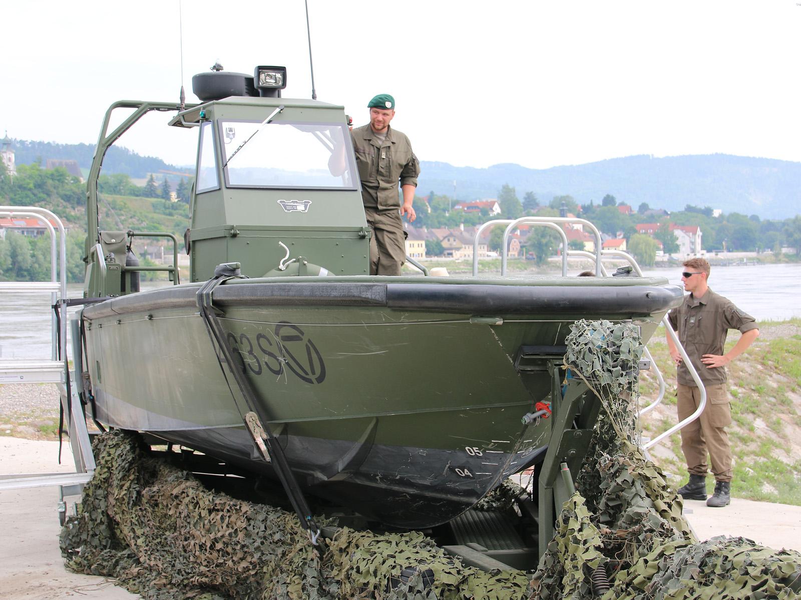 """Sturm- und Flachwasserboote des Typs Watercat M9 des finnischen Herstellers """"Marine Alutech Oy Ab"""" © Doppeladler.com"""