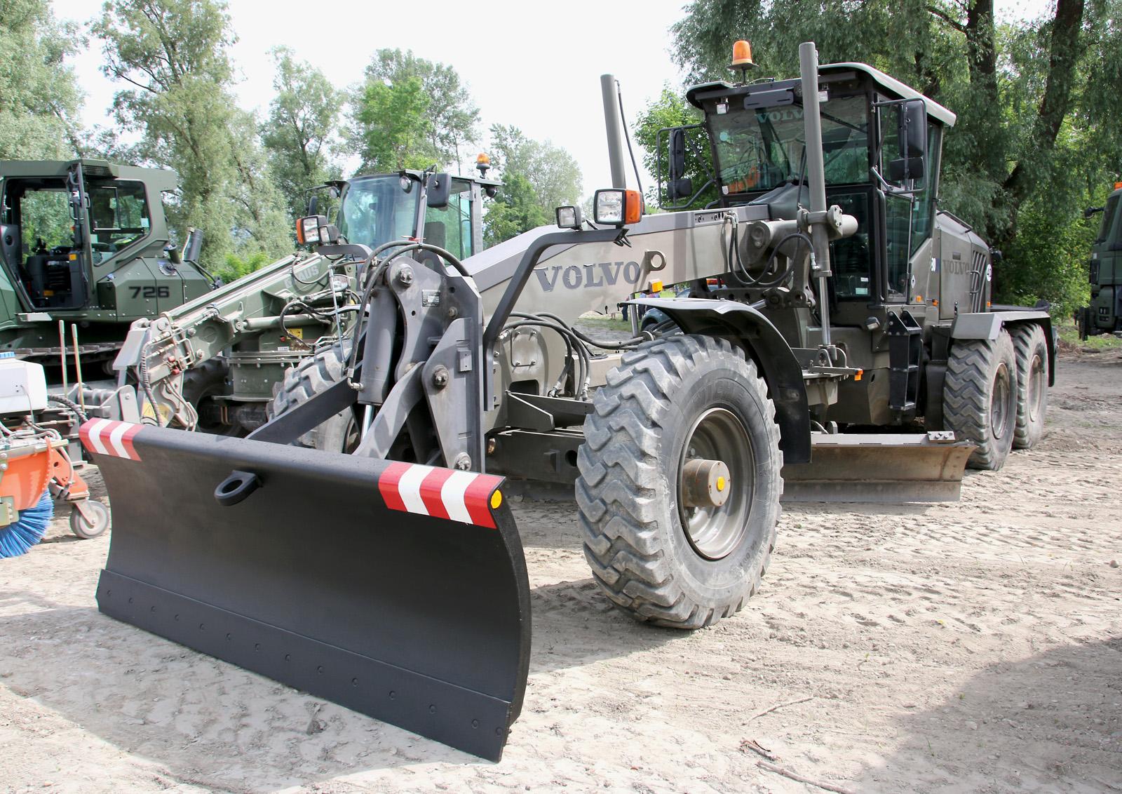 Volvo G930 Grader in der für das Bundesheer verkürzten Ausführung © Doppeladler.com