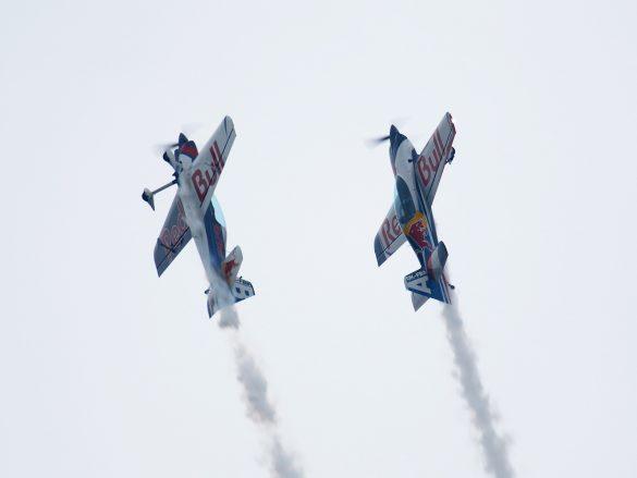 Czech Aerobatics Team auf vier XtremeAir XA42 © Doppeladler.com