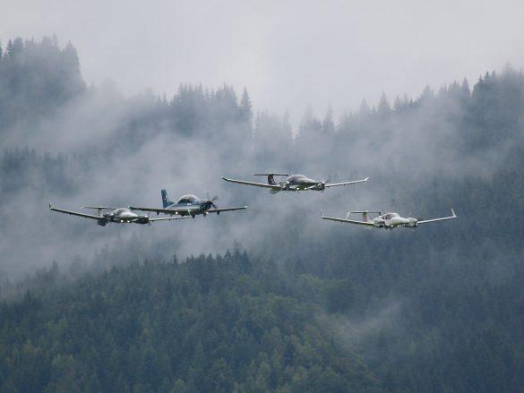 Diamond Aircraft 4er Formation aus Wr. Neustadt © Doppeladler.com
