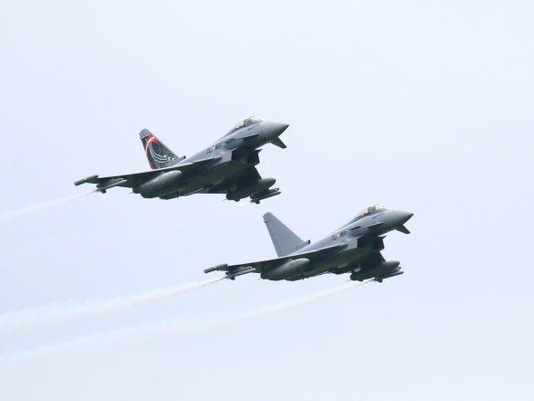 Eurofighter Typhoon '7L-WN' und '7L-WB' © Doppeladler.com