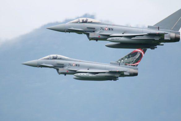Eurofighter Typhoon '7L-WN' mit '7L-WB' © Doppeladler.com