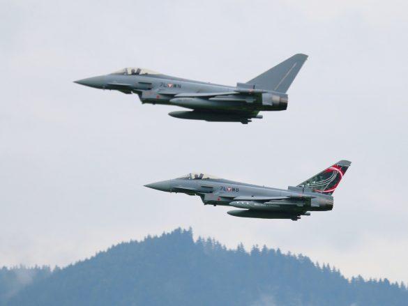 Eurofighter Typhoon '7L-WB' mit '7L-WN' © Doppeladler.com