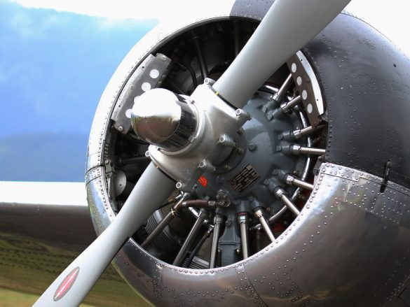 Beechcraft Model 18 Twin © Doppeladler.com