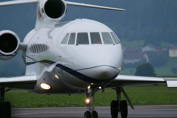 Dassault Aviation Falcon 900EX 'OE-IDM' der Flying Bulls © Doppeladler.com