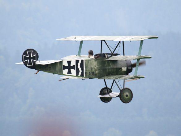 Fokker DR.I Replika '403/17 / G-CDXR' © Doppeladler.com