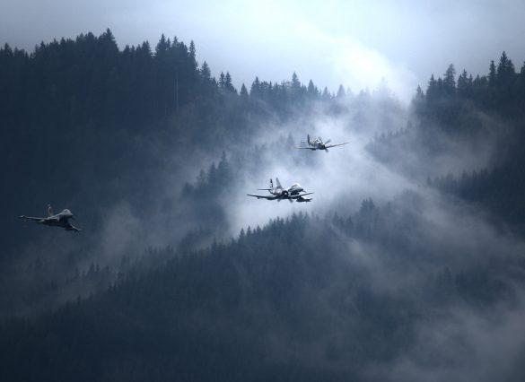 Corsair, Spitfire, Eurofighter Typhoon © Doppeladler.com