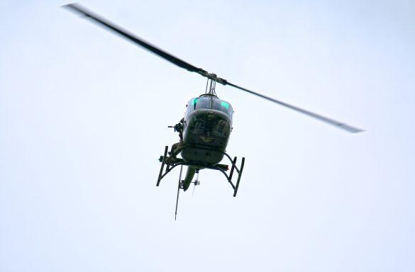 Bell OH-58B Kiowa '3C-OA' mit Heli-Sniper des Jagdkommandos © Doppeladler.com