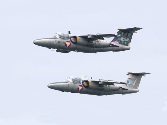 Saab 105 Oe Rotte aus 'RE-25' und 'BA-31' © Doppeladler.com