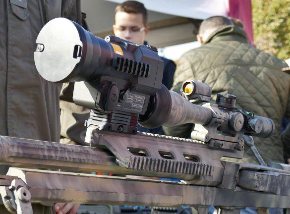 Wärmebildaufsatz IRV-900-C von Carl Zeiss Optronics Hensoldt © Doppeladler.com