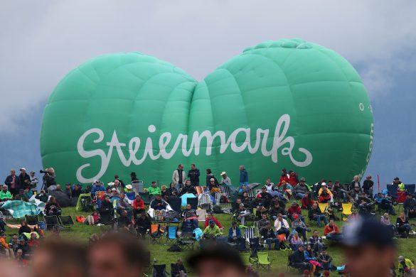 Das grüne Herz der Steiermark (Heißluftballon) © Doppeladler.com