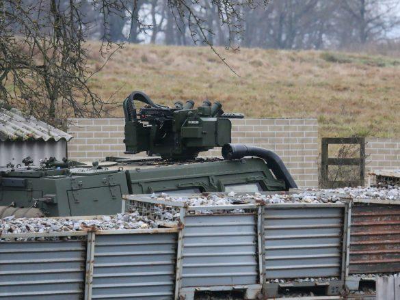 GMF HUSAR gibt mit seinem 12,7 mm MG Feuerschutz © Doppeladler.com