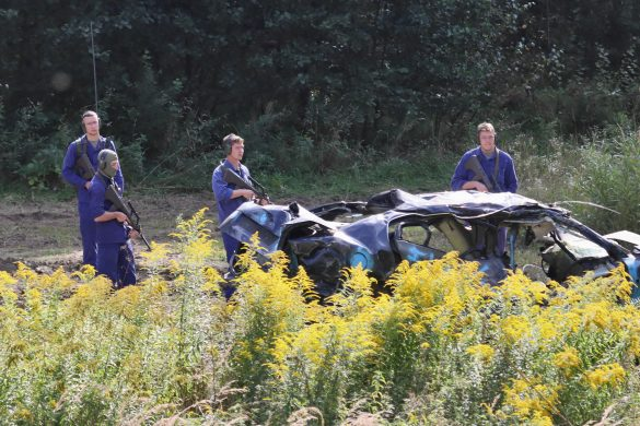 Eine Straßensperre wurde identifiziert. Panzergrenadiere werden mit der Räumung beauftragt © Doppeladler.com