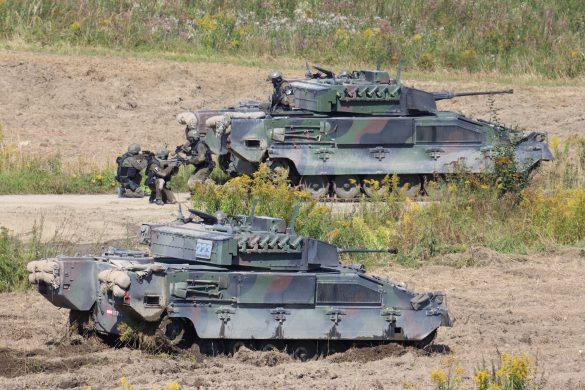 Das Zugriffsteam der Militärpolizei sitzt ab © Doppeladler.com
