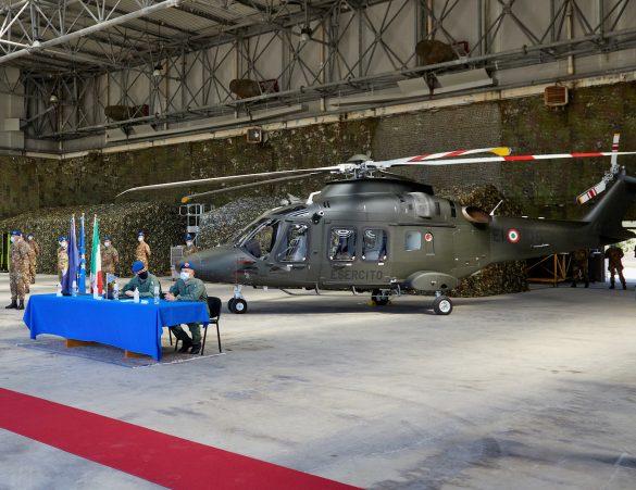 Übergabe des ersten AW169M (UH-169B) an die Esercito Italiano © Leonardo