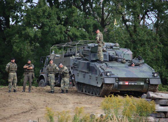 Schützenpanzer Ulan im Bereitstellungsraum © Doppeladler.com