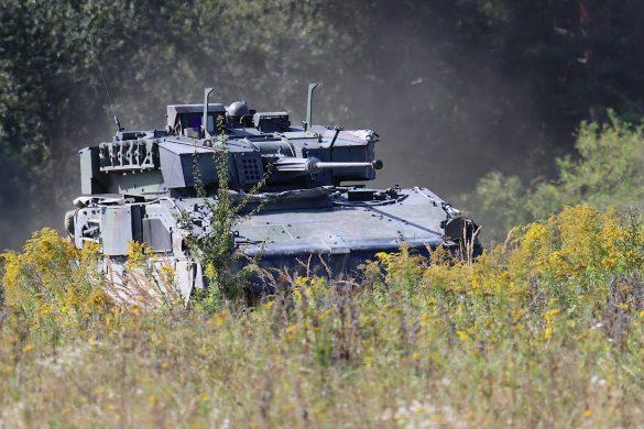 Schützenpanzer Ulan rücken vor © Doppeladler.com