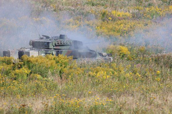 Schützenpanzer Ulan im scharfen Schuss mit der 30 mm Maschinenkanone © Doppeladler.com