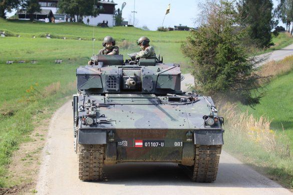 Schützenpanzer Ulan rücken an © Doppeladler.com