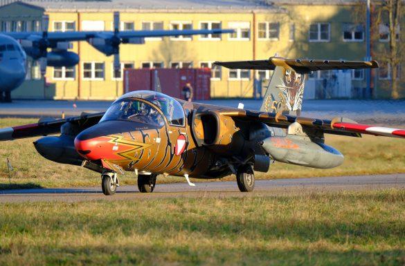 SAAB 105 OE BJ-40 GOLDEN TIGER rollt zum Start © Daniel Sinn